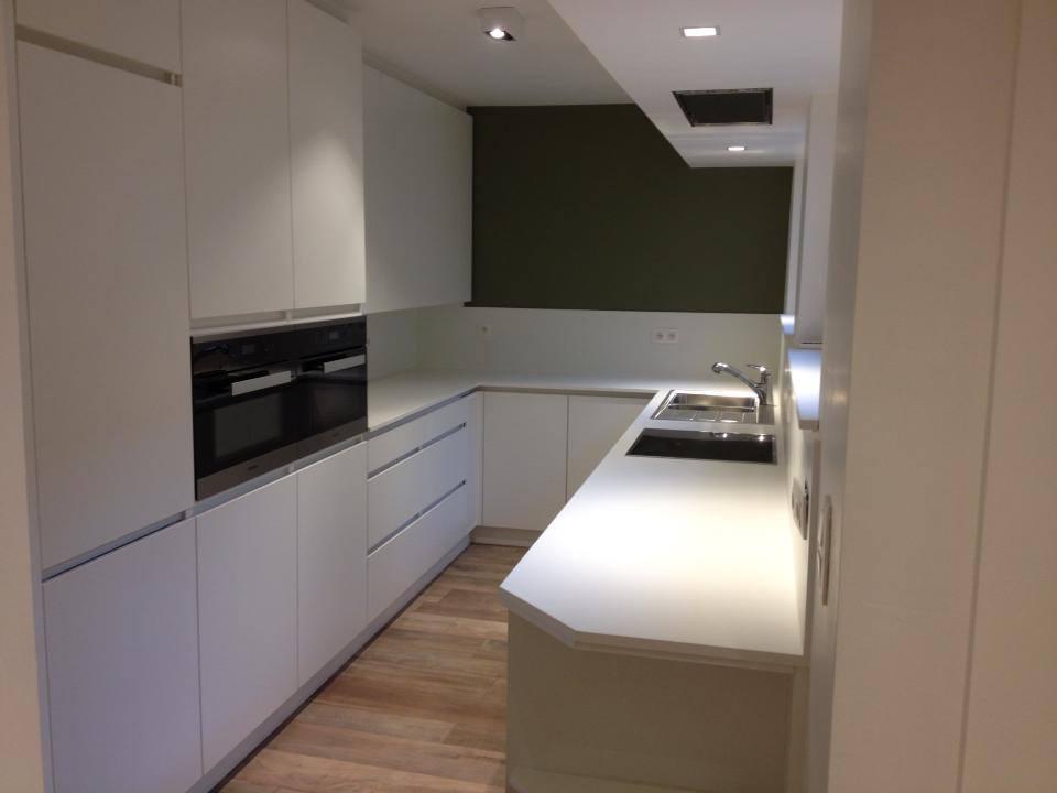 Witte keuken schrijnwerkerij Vanthuyne